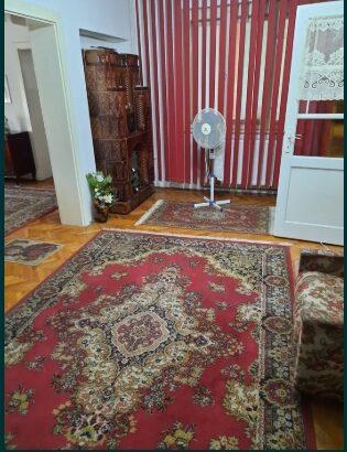 Se vinde casa frumoasa, 55000 euro, neg, zona Avram iancu, gradina.