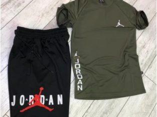 Compleu Jordan pantaloni scurti+tricou ( trening Jordan )