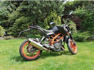 Motocicleta KTM Duke 390