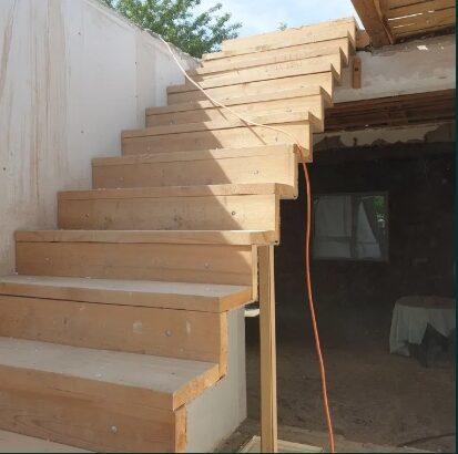 Vand scara interioara metal cu trepte din lemn