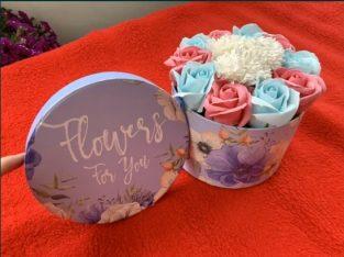 Trandafiri din sapun aranjament floral