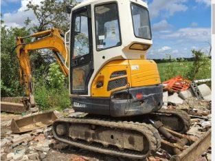 Miniexcavator kubota U30 a 3 de 3400kg an 2012