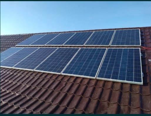 Sisteme fotovoltaice panou fotovoltaic invertor montaj