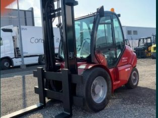 Stivuitor de Teren MANITOU 5000 kg Diesel
