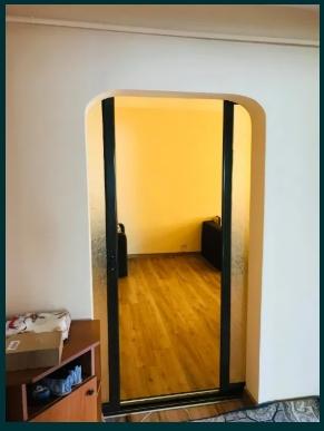 Apartament 3 camere decomandat spre inchiriere