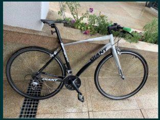 Vand bicicleta Giant