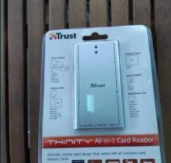 Cititor universal de carduri memorie TRUST NOU ABSOLUT Nefolosit