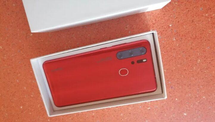 Telefon P30 Pro, culoare roșie, nou – nouț, nefolosit