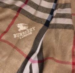 Esarfa / fular burberry