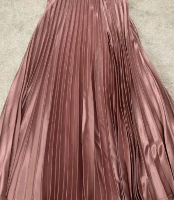 Fusta pliuri roz-deschis Zara XS