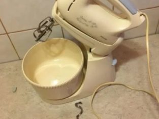 Vând mixer cu bol Phillips cucina HR 1530/A