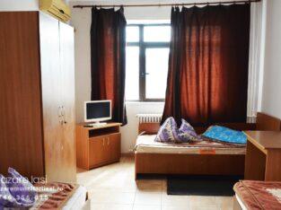 Camera cu 3 paturi (plus baie)