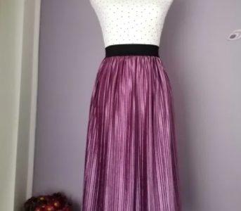Fusta din catifea plisata. Marimi S, M. Culori lavanda, rosu burgundy