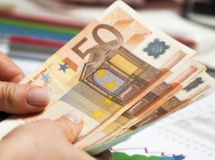 Ofer asistență pentru împrumutarea de bani între indivizi pe termen scurt și lung