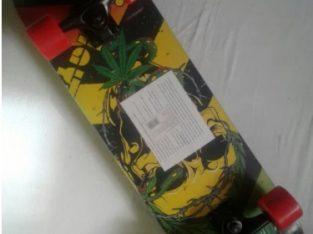 Skateboard Sporter cu muchii incovoiate, roti late si sarcina max.80kg