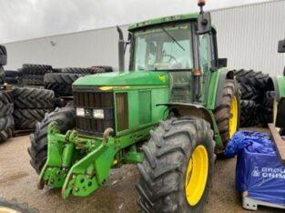 Tractor John Deere 6510 Premium TLS, an 2002, AC, 4×4. IMPORT