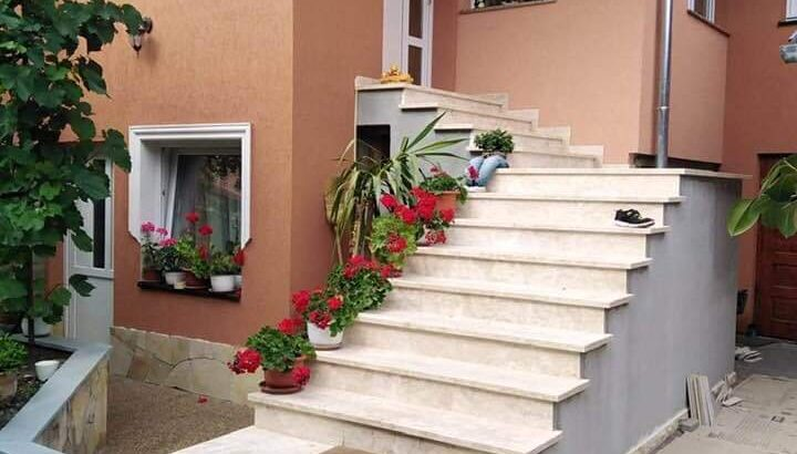 Trepte contratrepte piatra naturala bej crem mat 2 cm Cluj Napoca