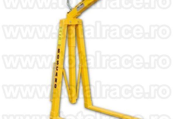 Furca de macara cu reglarea centrului de greutate cu arc