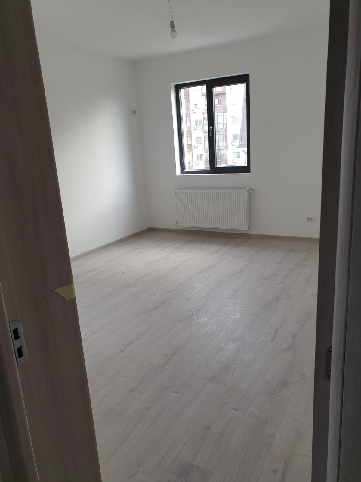 Proprietar 3 camere Militari Residence -65mpu-56800E