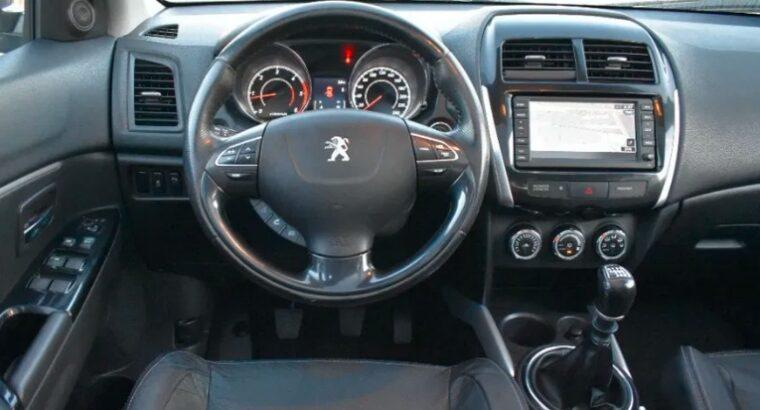 Peugeot 4008 Bi xenon~Navi~Scaune sport~LED
